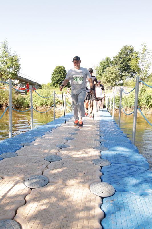 Walking_LB53